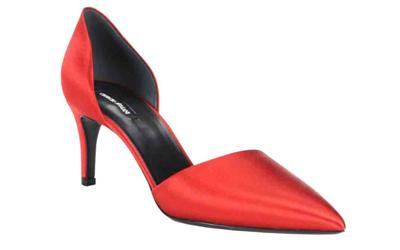Những mẫu giày satin đầy quyến rũ